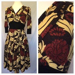 Vintage Floral V-Neck Dress With Tie in Back